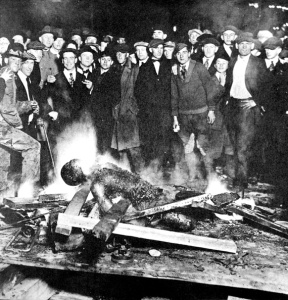 """The Inexpressible"" : a group of white men burn a black man alive"